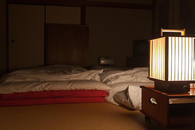 Japonaise se réveille pour sucer