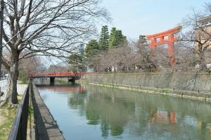 Au fond, le sanctuaire de Heian.