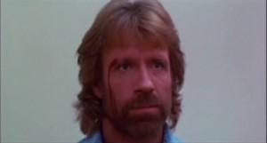 La seule blessure de Chuck... en faisant une roulade... La honte...