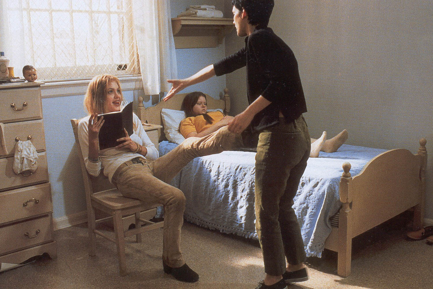 girl interrupted and suicide In the film girl interrupted what song did daisy play over and over before committing suicide - trivia question /questions answer / answers.