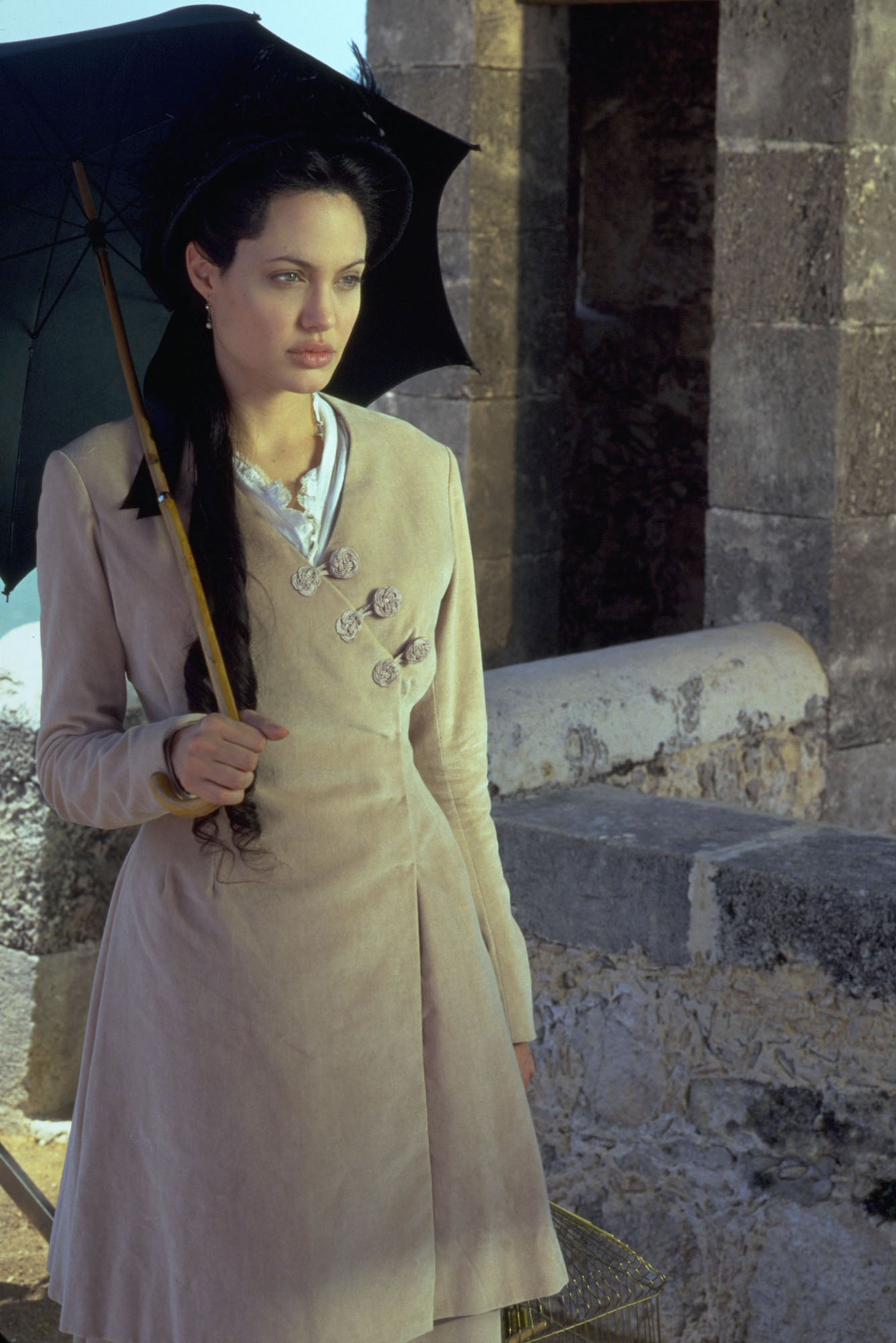 Angelina jolie in lara croft tomb raider the cradle of life 2006 - 2 2