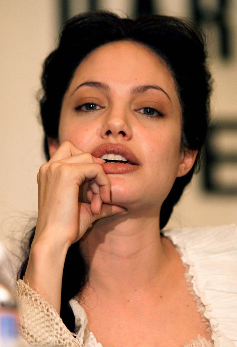 Angelina jolie salt wallpaper